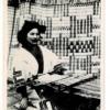 (北海道土人風俗) メノコノ機織